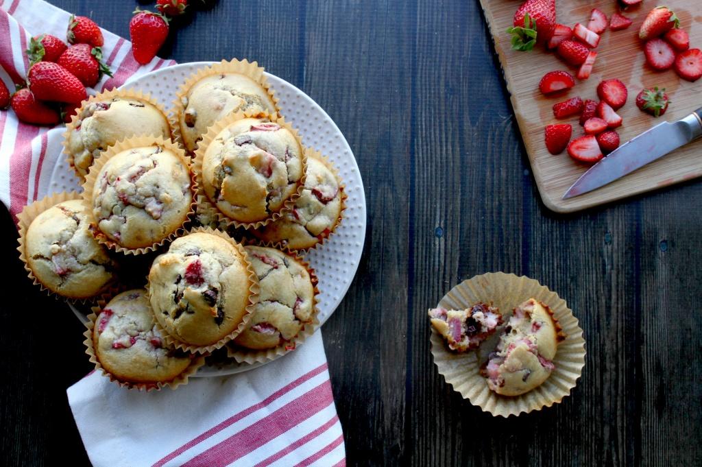 paleo strawberry chocolate chip muffins